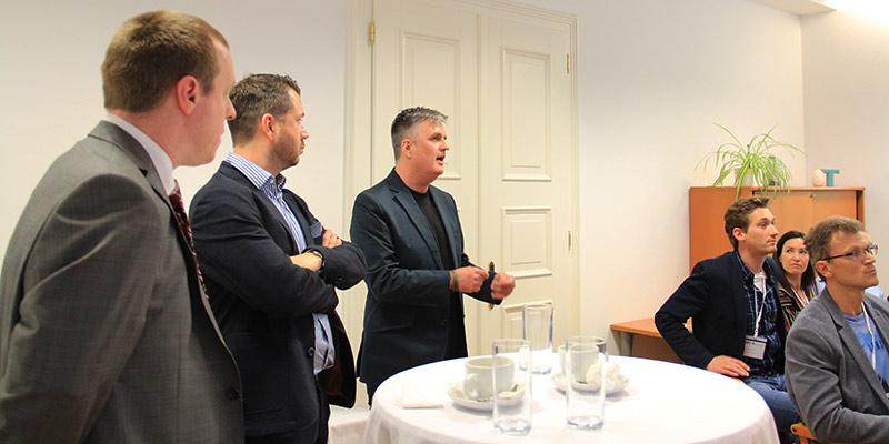 Zwischendurch: Diskussion. – mit Peter Schöppl und Florian Wurzer